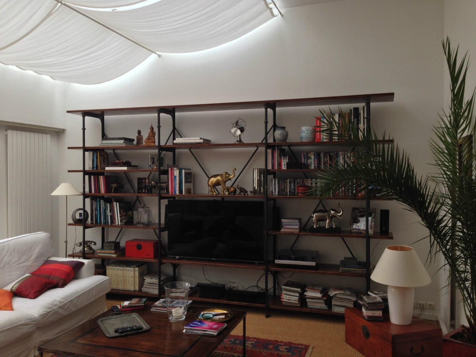meuble tv sur mesure au petit parisien. Black Bedroom Furniture Sets. Home Design Ideas